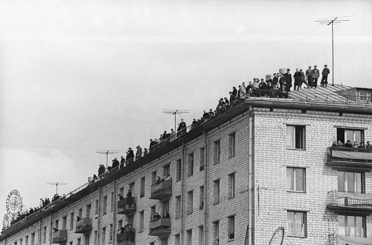 Фото №1 - Прилет Гагарина и еще 4 ретрофотографии с интересной историей