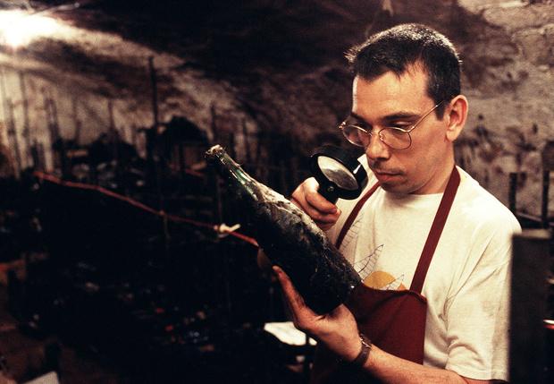 Фото №1 - Как определить, что давно стоящее вино еще можно пить