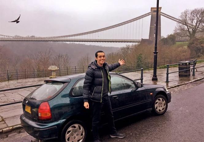 Фото №2 - Можно и так: парень купил машину вместо билета на поезд. Потому что дешевле!