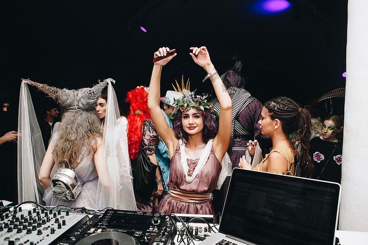 Фото №27 - Все красотки вечеринки Midsummer Night's Dream в одном фотоотчете