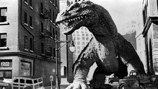 Фото №1 - 10 фильмов о гигантских монстрах, которые ты мог случайно пропустить