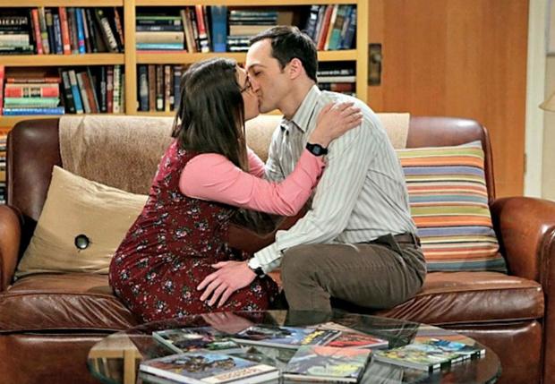 Фото №1 - Почему мы целуемся с закрытыми глазами?