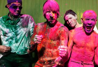 Прямая трансляция концерта Red Hot Chili Peppers из Германии в 360! Бесплатно и без визы!