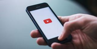 Лайфхак: как проигрывать видео с YouTube на iOS фоном