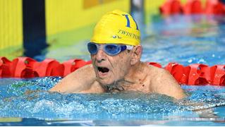 99-летний атлет поставил рекорд в плавании