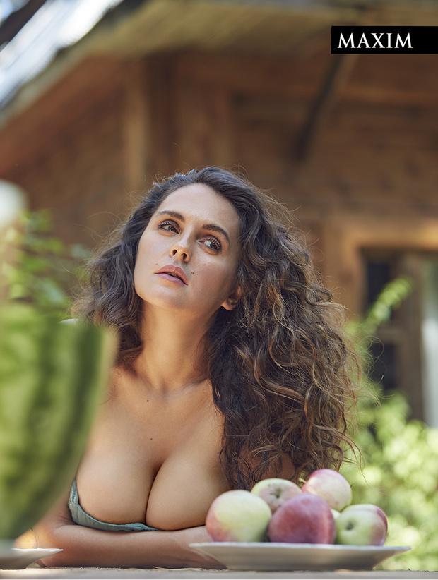 Фото №6 - Дачные удовольствия: наша загородная фотосессия актрисы Марии Шумаковой