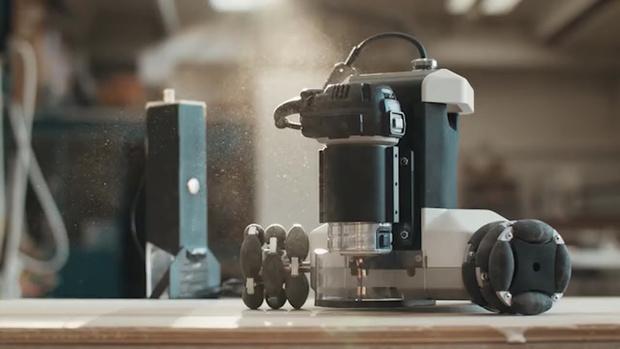Фото №1 - Робот-плотник «Голиаф» искусно делает мебель (видео)