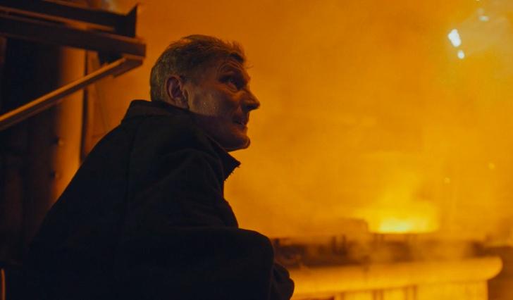 Фото №1 - «Горновой»: суровая и красивая короткометражка про магнитогорского металлурга (ВИДЕО)