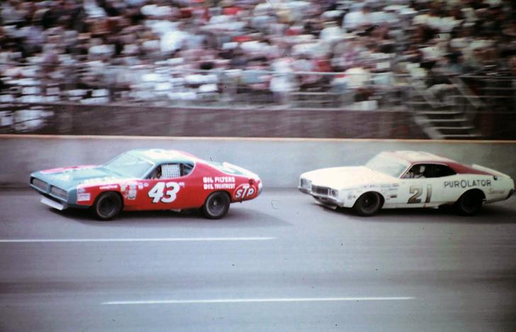 Фото №1 - Лучший финиш в истории NASCAR (невероятно увлекательное гоночное видео)