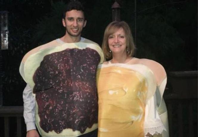 Мальчик зделаль секс с мамой на кухне