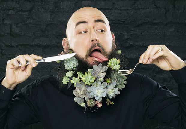Фото №1 - Как есть цветы: салат из хризантем и еще два простых блюда