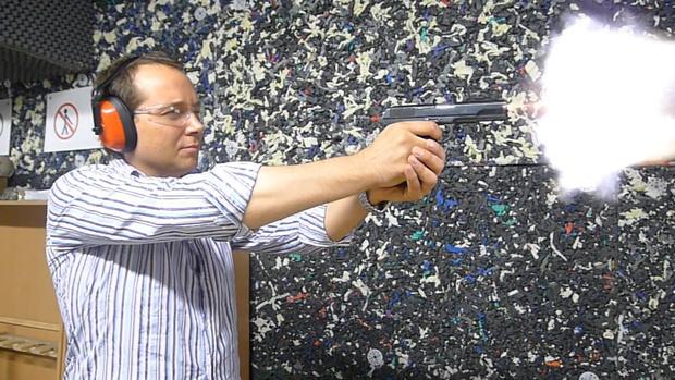 Фото №9 - Каково это — стрелять из ППШ, маузера, нагана, винтовки Мосина и еще девяти видов огнестрельного оружия