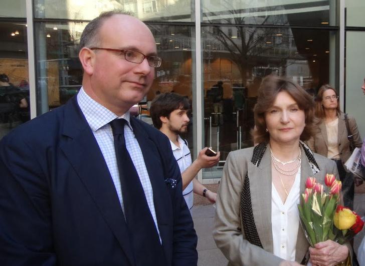 Фото №11 - Лапшеснималочная: откуда берутся иностранные «эксперты» и «политологи» на российском ТВ