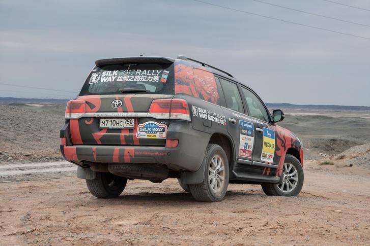Фото №95 - В пекло и обратно: пытаемся проверить, что умеет Toyota Land Cruiser