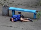 Фотограф 10 лет снимал одну и ту же скамейку. И вот что у него получилось!