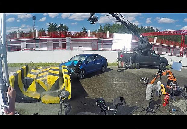 Фото №3 - Краш-тест: в новый Hyundai Solaris вместо манекена сел живой человек!