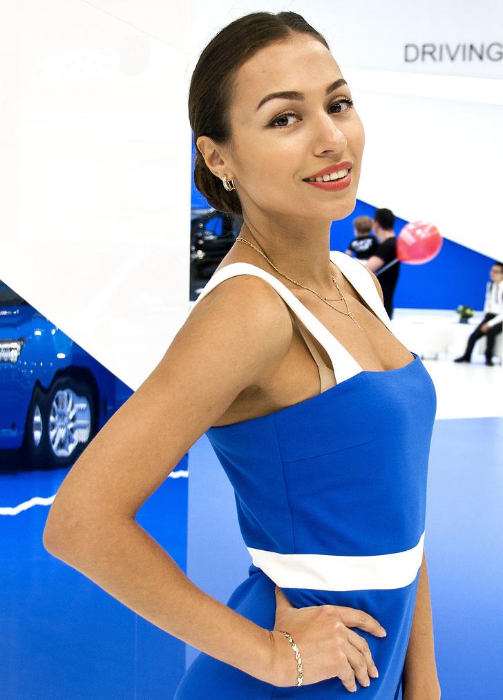 Фото №14 - Лучшие девушки Московского международного автосалона — 2016