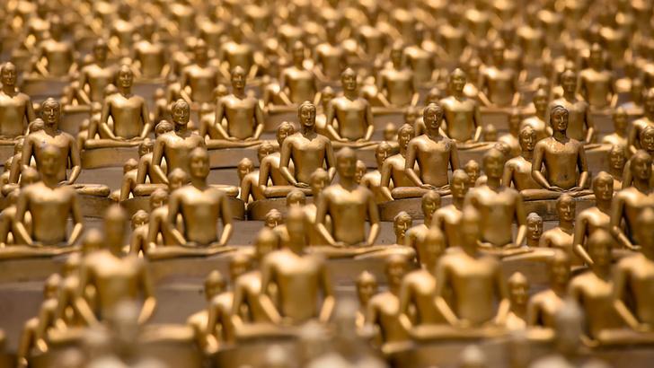 Фото №3 - Секта буддийских миллионеров из Таиланда принимает туристов в своем храме