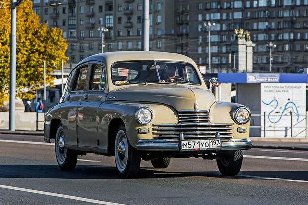 Фото №1 - 10 советских автомобилей, которым не стыдно было оказаться иномарками
