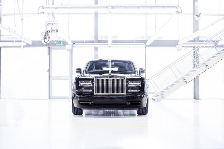 Фото №3 - Из ворот завода в Гудвуде выехал последний Rolls-Royce Phantom VII