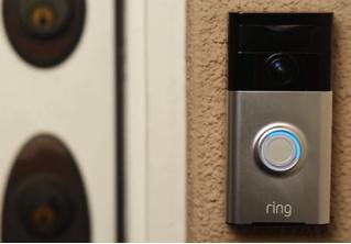Создатель дверного звонка будущего получил жесткий отлуп от инвесторов, а его компанию взял да и купил Amazon за $1 миллиард! (ВИДЕО чудо-звонка внутри)