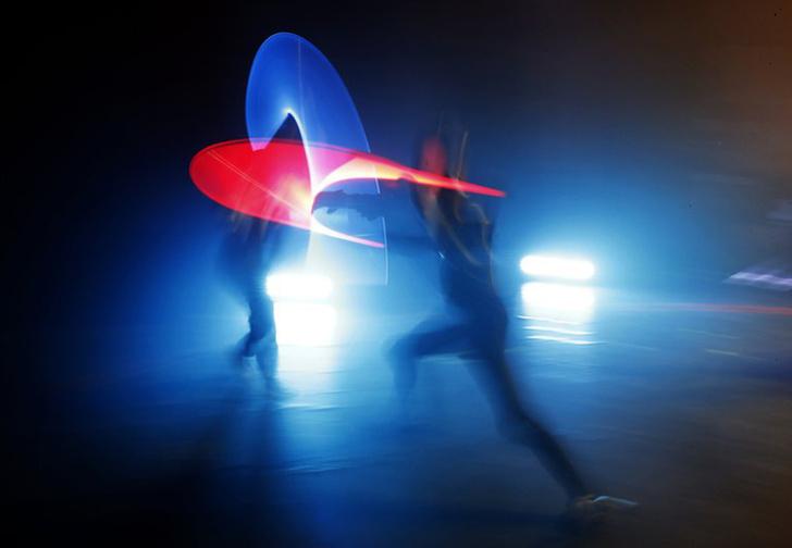 Фото №1 - Во Франции бои на световых мечах стали официальным видом спорта (джедайское видео)