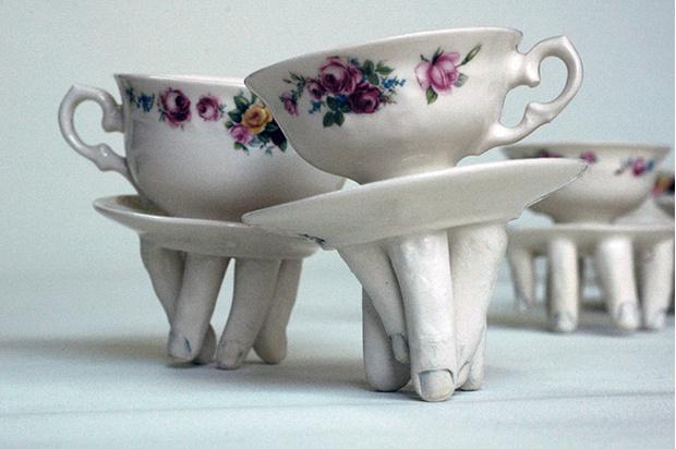 Фото №13 - Скульптор создает посуду, которая способна лишить аппетита. И сна!