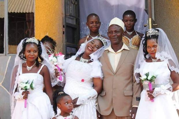 Фото №2 - Мужчина женился на трех невестах одновременно, чтобы сэкономить на свадьбах!
