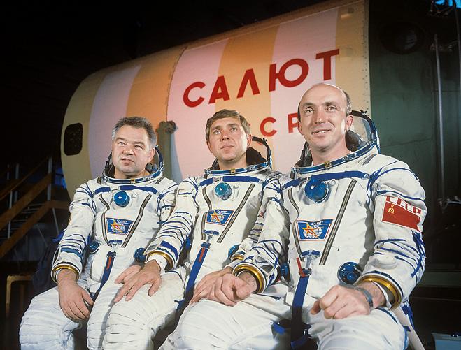 Фото №2 - Космонавт Георгий Гречко: «Мышца ноги за время полета уменьшалась на семь сантиметров...»
