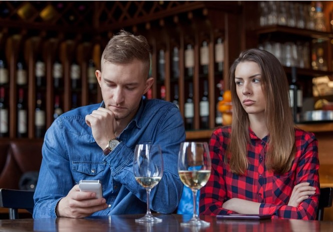 игнофонить опасно твоих отношений