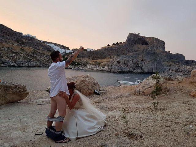 Из-за фото с оральным сексом на Родосе запретили венчаться иностранцам