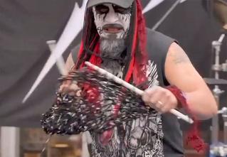 В Финляндии прошел первый чемпионат мира по вязанию под хеви-метал (видео)