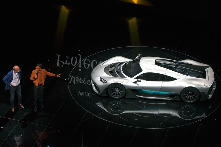 Фото №4 - На волю выпущен тысячесильный гиперкар Mercedes-AMG Project ONE