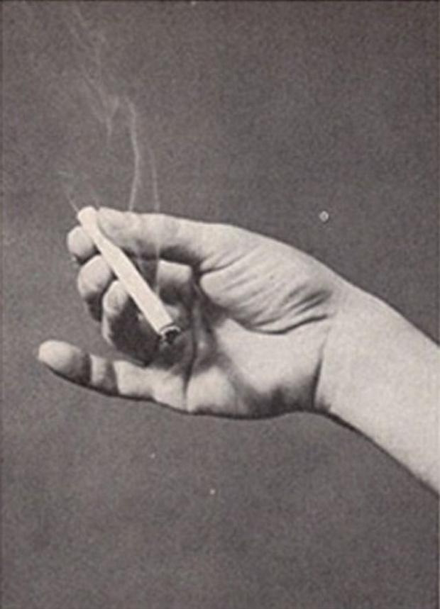 Фото №6 - Определить характер человека по тому, как он держит сигарету (ретротест в картинках)