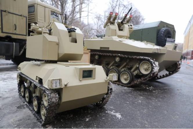 Боевые роботы «Соратник» и «Нахлебник» не боятся суровый русских морозов! (ВИДЕО)