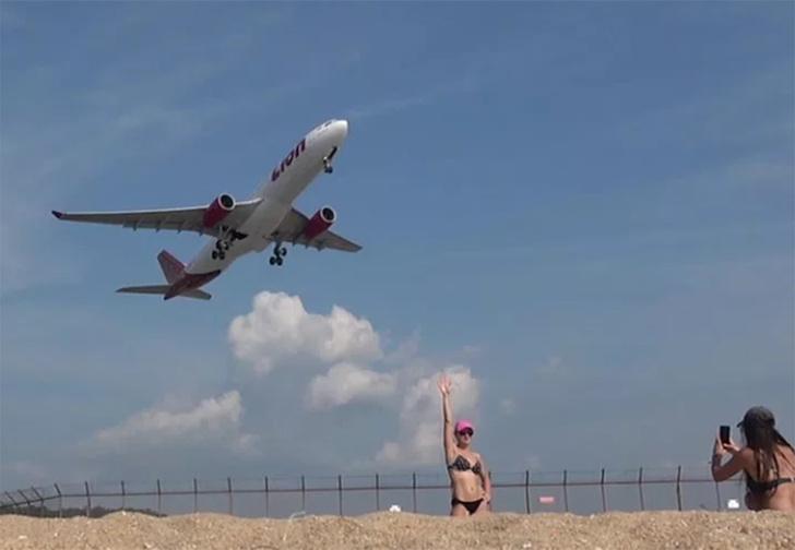 Фото №1 - В Таиланде туристам начали угрожать смертной казнью за селфи на фоне взлетающих самолетов