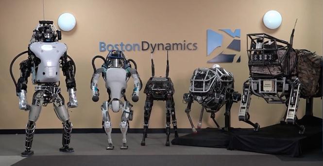 Вweb-сети появились уникальные кадры робота Atlas, который делает сложное сальто