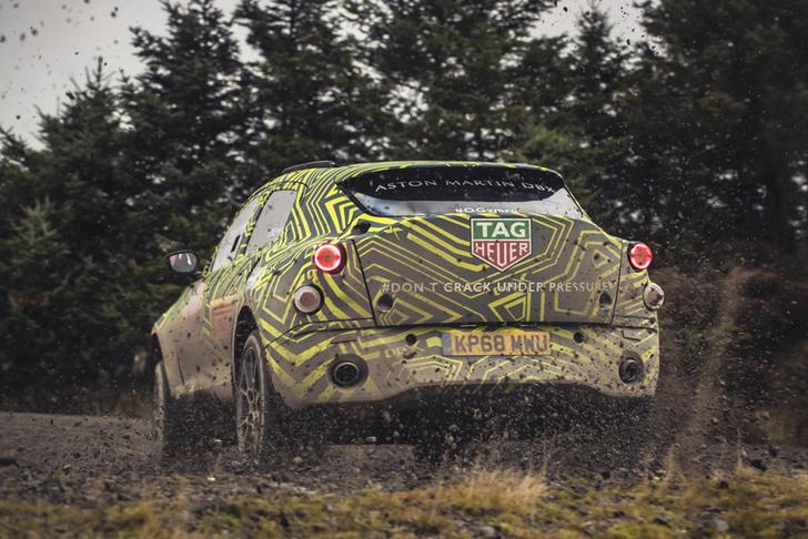 Фото №2 - Первый внедорожник Aston Martin вышел на тесты (очень быстрое и довольно грязное ВИДЕО)