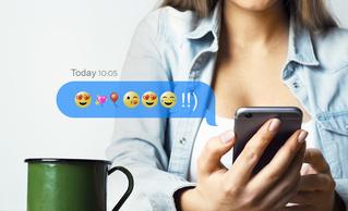 Новое приложение, которое помогает переводить сообщения на язык эмодзи!