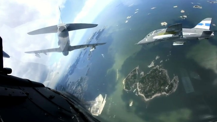Фото №1 - 360-градусная камера в кабине пилота истребителя (панорамное ВИДЕО)