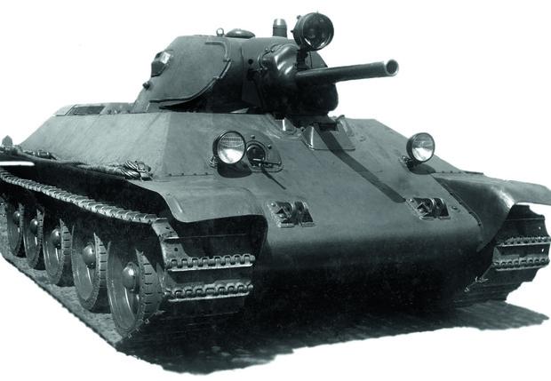 Принят на вооружение самый массовый советский танк— Т-34. 1942
