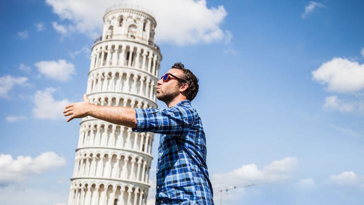 Фото №1 - Пизанская башня начала выпрямляться