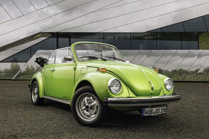 Сборкой кабриолетов на базе VW Beetle занималось немецкое кузовное ателье Karmann