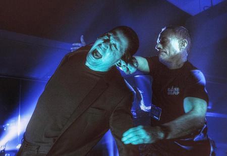 Жан Клод Ван Дамм мочит бандитов в подвале: отрывок из нового фильма «Лукас»