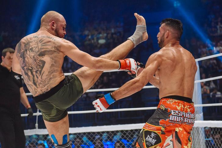Фото №1 - Боевой окрас: что означают татуировки на телах профессиональных бойцов