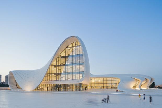 Фото №5 - Самые крутые здания женщины-архитектора Захи Хадид (плюс российские проекты и туфли)