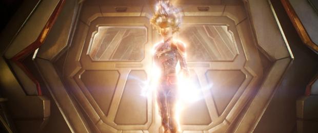 Фото №3 - Звездная качалка: будь крутой, как Капитан Марвел! Праздничная тренировка для читательниц MAXIM