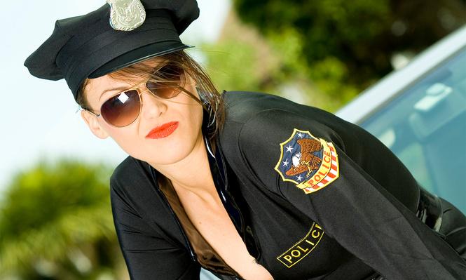 самые красивые девушки-полицейские мира