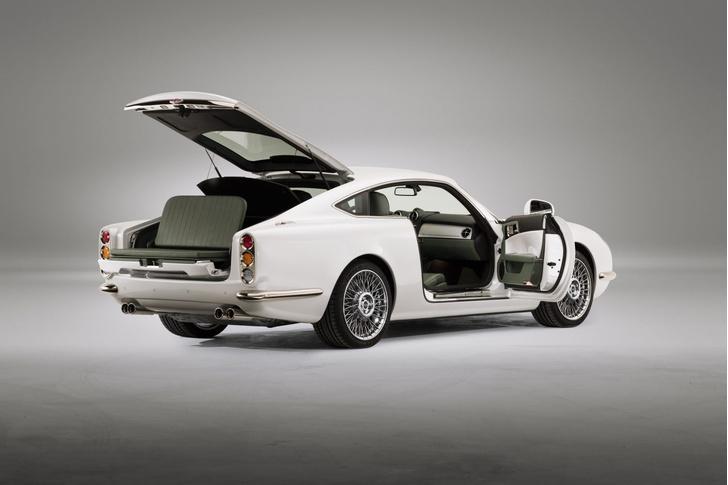 Фото №2 - David Brown Speedback GT — спорткар, который не возьмут в бондиану