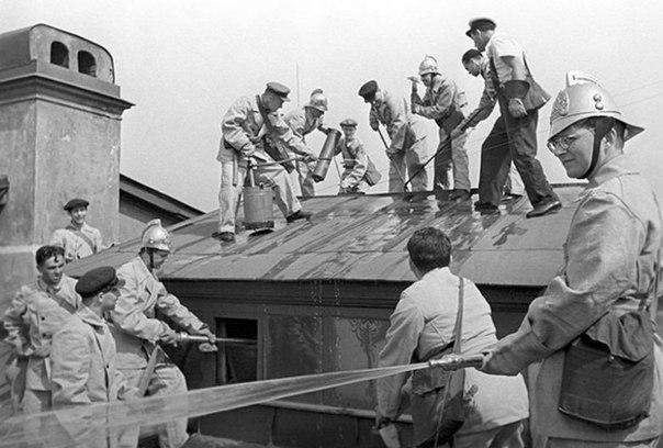 Фото №6 - Шостакович на пожаре и еще 4 неожиданные ретрофотографии